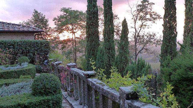 Coucher de soleil vu de la terrace des coeurs à Villa le Barone Toscane
