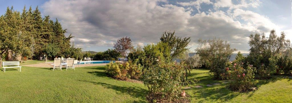Luxe calme discr tion villa le barone magazine for Les jardins de la villa booking