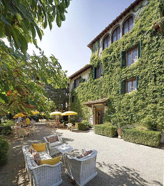 La terrasse où ont été fêtés les 40 ans de Villa le Barone
