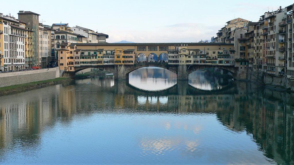 Ateliers d'orfèvrerie sur le Ponte Vecchio de Florence